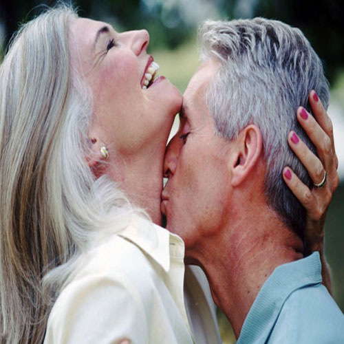 Ways to Rejuvenate the old age romance!  , how to rejuvenate the old age romance,  old age romance,  old age romance how to ,  revive old age romance,  4 ways to revive old age romance,  love and romance