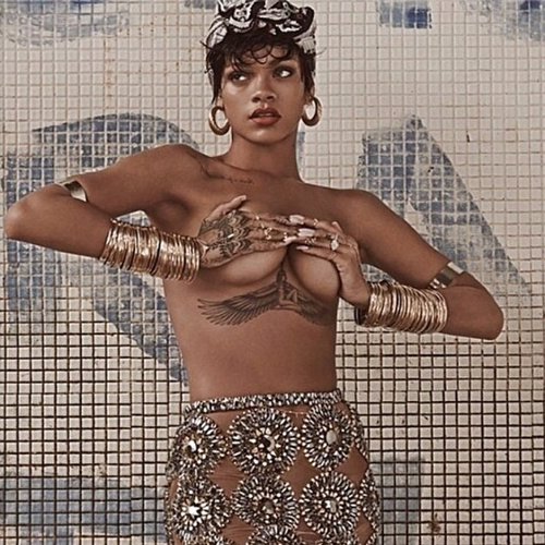 Rihanna's more TOPLESS VOGUE out!   , rihanna more topless vogue out,  rihanna,  rihanna shows off her modesty,  may issue vogue brazil 2014,  entertainment,  hollywood,  rihanna topless in the may issue vogue brazil 2014,  hollywood gossips,  hollywood entertainment
