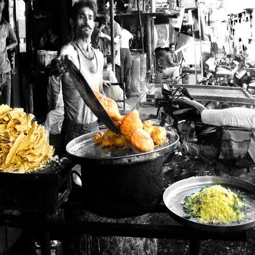 10 Famous street Foods From India, famous street foods from india,  street food,  travel,  foodie delight,  food of india,  what to have when visiting india,  best food of india,  famous states in india for street food,  chole bhature,  poha-jalebi,  litti choka,  aloo tikki,  vada pao,  kachori,  dabeli,  egg rolls,  akki rott,  idli sambhar,  food of india,  food culture,  food culture of india,  famous street food,  different states different food,  best street food,  ifairer