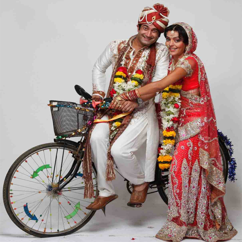 10 People You Will Find At Indian Weddings!, indian weddings,  people in indian weddings,  wedding in india,  interesting people in indian weddings,  relatives you find in indian weddings,  ifairer