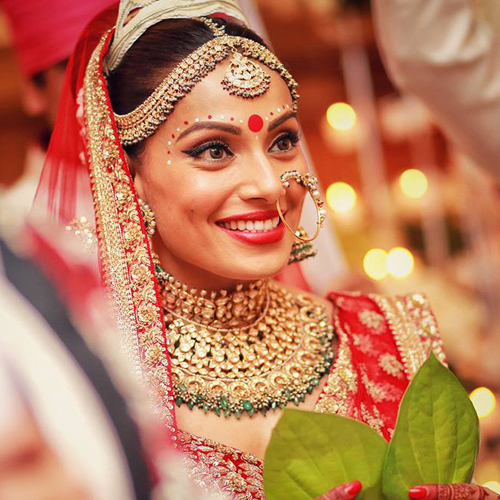 Why are dimpled girls consider lucky as spouse , why are dimpled girls consider lucky as spouse,  lucky features of a girl,  why you should marry a girl with dimples,  dimples and attraction,  why are dimpled girls consider lucky charms,  dimple girl and marriage life,  spirituality,  ifairer