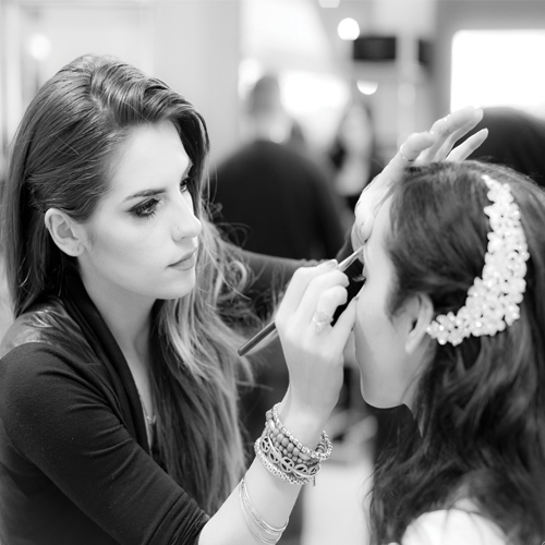 Here`s how to pursue a career as successful Makeup Artist