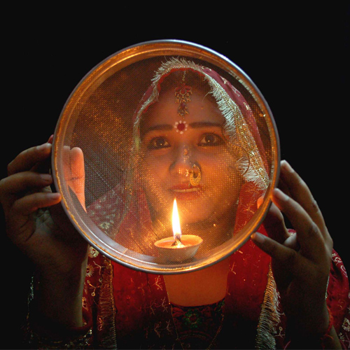 Karva Chauth: The right way to fast , the right way to fast,  karva chauth diet tips to observe the fast in a healthy way,  how to fast right this karva chauth,  karva chauth: easy tips to fast right,  tips to fast right this karva chauth,  spirituality,  ifairer