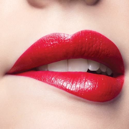 Tips to apply lipstick flawlessly for perfect pout