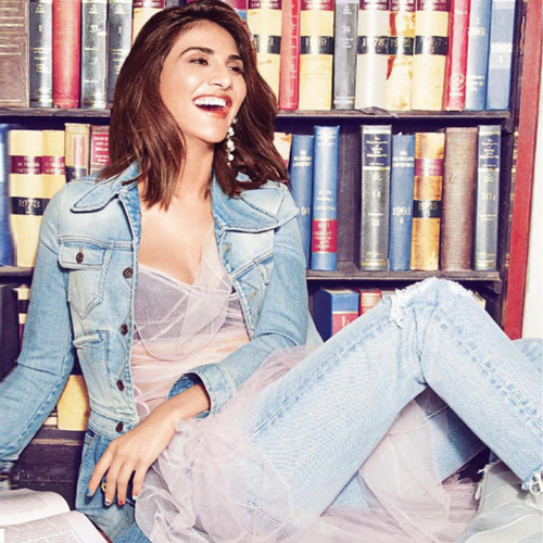Glam up in accessories with 7 Indo-western outfits , glam up in accessories with 7 indo-western outfits,  vaani kapoor features on the vogue india december 2016,   vaani kapoor latest photoshoot,  latest accessories trends,  fashion accessories,  ifairer