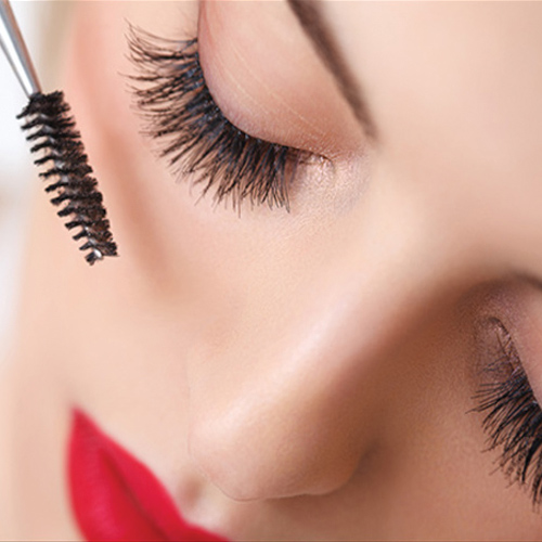 Make your eyelashes look beautiful with Vaseline, makeup tips to make eyelashes longer and sleeker,  make your eyelashes look sleeker with vaseline,  how to make eyelashes longer with vaseline,  makeup tips,  ifairer