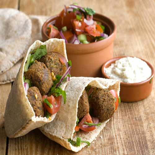 How to make delicious Falafel at home, how to make delicious falafel at home,  recipe to make delicious falafel at home,  know how to cook falafel pockets,  tea time snack recipe,  recipe of breakfast item,  ifairer