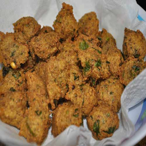 Quick recipe to make crispy Dal ke Mangode, quick recipe to make crispy dal ke mangode,  recipe of crispy dal ke mangode,  learn to make dal ke mangode,  how to make crispy dal ke mangode,  posh vada recipe,  how to make posh vada,  snack recipe,  tea time snack recipe,  ifairer