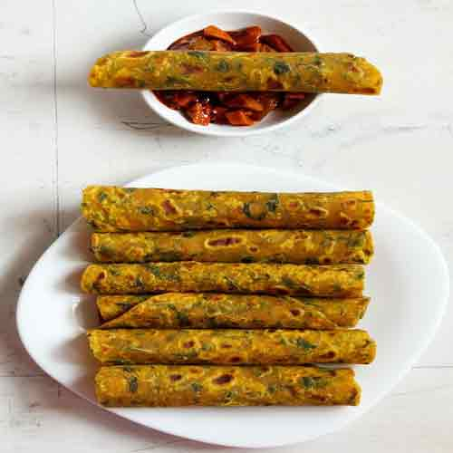 Enjoy crispy Methi Thepla with evening tea