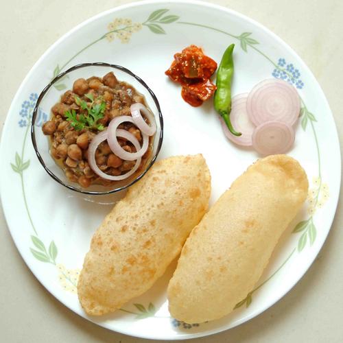 Punjabi traditional food: Chole Bhatura