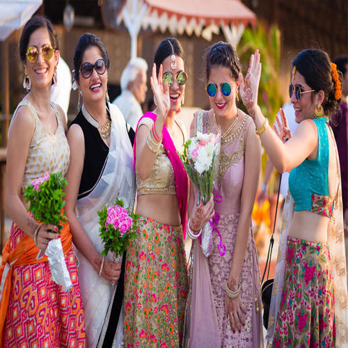 Rock your Friend's wedding with Fantastic Photo Ideas as Bridemaid, rock your friends wedding with fantastic photo ideas as bridemaid,  photo ideas as bridemai for friends wedding,  check out these fantastic photo ideas as bridemaid for sister wedding,  latest style of photoshoots for wedding with bride,  ifairer