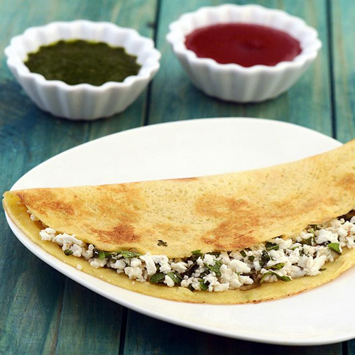 Make tasty and healthy Moong dal and Paneer Chilla at home