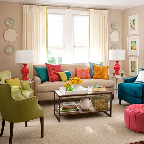 Tips on decorating living room with cushions