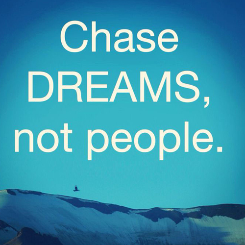Read these Motivational Quotes to chase your dreams