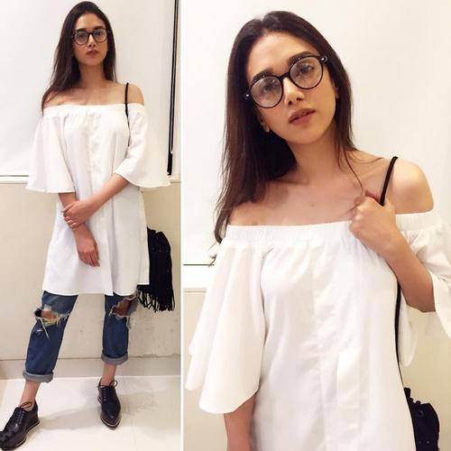 Go for white this summer season, go for white this summer season,  how to style summer coveted white dress,  summer fashion trends,  fashion trends 2017,  fashion statement,  #ootd,  ifairer