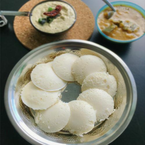 Recipe to make Rice Idli, recipe to make rice idli,  how to cook rice idli,  follow this recipe to cook rice idlis,  breakfast dish rice idli,  south indian dish rice idli,  ifairer