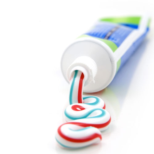Innovative uses of toothpaste that will brighten up your life
