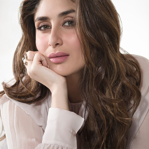 Virtues of India's Most Beautiful Woman Kareena Kapoor, 15 virtues of india most beautiful woman kareena kapoor khan,  lesser known facts about kareena kapoor khan,  amazing facts about kareena kapoor,  things to know about kareena kapoor,  interesting facts about kareena kapoor,  unknown facts about kareena kapoor,  happy birthday kareena kapoor khan,  bollywood actress kareena kapoor khan,  bollywood news,  bollywood gossip,  ifairer