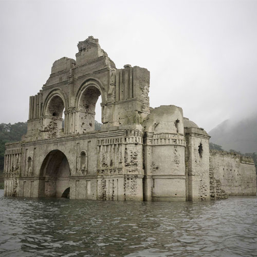 Buildings that emerged from water, looks marvellous