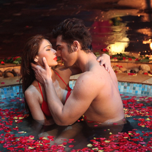 Romantic places in India for couple to celebrate this Valentine's Day, romantic places in india for couple to celebrate this valentine day,  romantic date,  best romantic getaways india,  romantic destinations,  destinations,  places,  ifairer