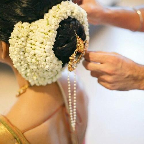 Gajra styles look for wedding season, gajra styles you can flaunt this wedding season,  gajra styles,  hair styles,  fashion accessories,  fashion,  ifairer