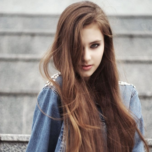 Natural home remedies to treat messy and frizzy hair