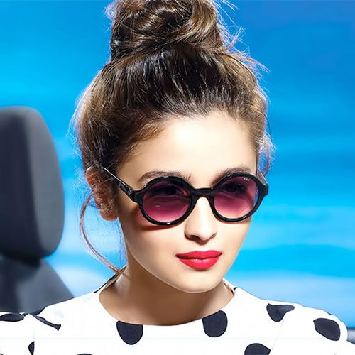 Sunglasses trends 2018, sunglasses trends 2018 to rock this season,  sunglasses of women,  women sunglasses,  trendy sunglasses for women,  guide to buy perfect sunglasses for summer,  latest sunglasses trends,  most popular fashion styles of 2018,  ifairer