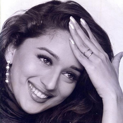 Madhuri Dixit won million hearts with her mesmerizing smile: Facts about her, madhuri dixit won a million hearts with her mesmerizing smile,  interesting facts,  madhuri dixis lesser known facts,  unknown facts about madhuri dixit,  madhuri dixit,  birthday special,  bollywood news, bollywood gossip,  ifairer