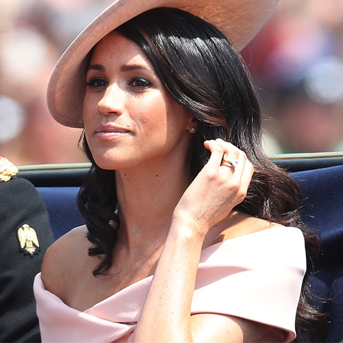 Meghan Markle gets trolled for wearing inappropriate dress, meghan markle gets trolled for wearing inappropriate dress,  meghan markle,  prince harry,  duchess of sussex,  hollywood news,  hollywood gossip,  meghan markle dress for queen birthday cost rs 3 lakh,  ifairer
