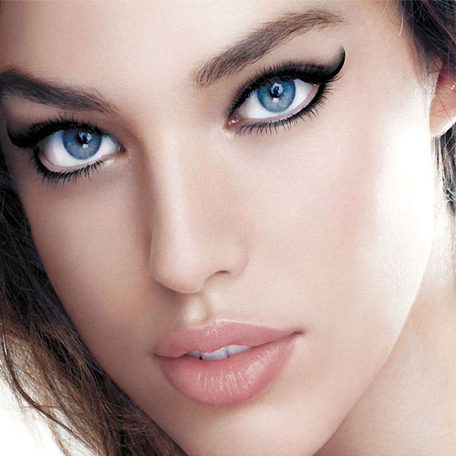 In steps: Apply eyeliner correctly, in steps apply eyeliner correctly,  ways to do your eyeliner,  how to apply eyeliner,  eyeliner tips,  how to apply eyeliner correctly,  eye makeup,  make up tips,  ifairer
