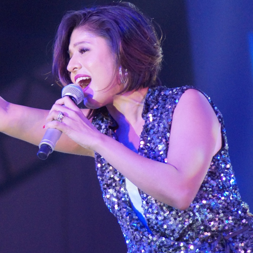 Sunidhi Chauhan sing in 11 languages: B'day special facts , sunidhi chauhan sing in 11 languages,  birthday special facts,  unknown facts about sunidhi chauhan,  things you may not know about the singer,  hidden facts about singing sensation sunidhi chauhan,  interesting facts about singing sunidhi chauhan,  bollywood news,  bollywood gossip,  ifairer