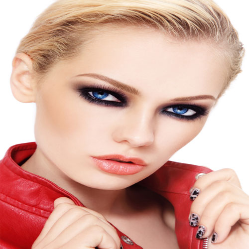 Eye makeup step by step: Create the perfect smokey eye, eye makeup step by step,  create the perfect smokey eye,  ways to get smoky eyes,  smoky eye makeup,  how to do a smokey eye,  how to create the perfect smokey eye,  make up tips,  ifairer