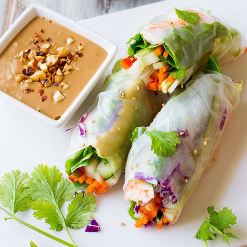 Make delicious rice roll at home
