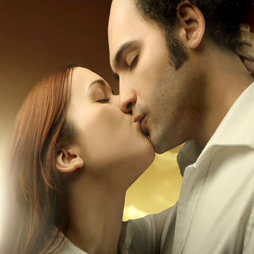 The science of kissing: How to be a good kisser, valentine day,  kiss day,  kiss day special,  the science of kissing,  how to be a good kisser,  tips for best kisser,  how to be a good kisser,  learn how to kiss,  ways to turn a good kisser,   kissing style,  dating tips,  relationship tips,  valentine week,  valentine week 2019,  ifairer