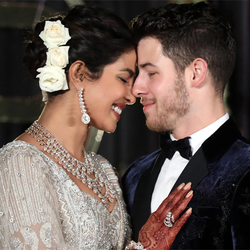OMG! Priyanka Chopra falling down the stairs Nick Jonas saves, priyanka chopra falling down the stairs nick jonas saves,  priyanka chopra almost fell down the stairs,  priyanka chopra,  nick jonas,  hollywood news,  hollywood gossip,  ifairer