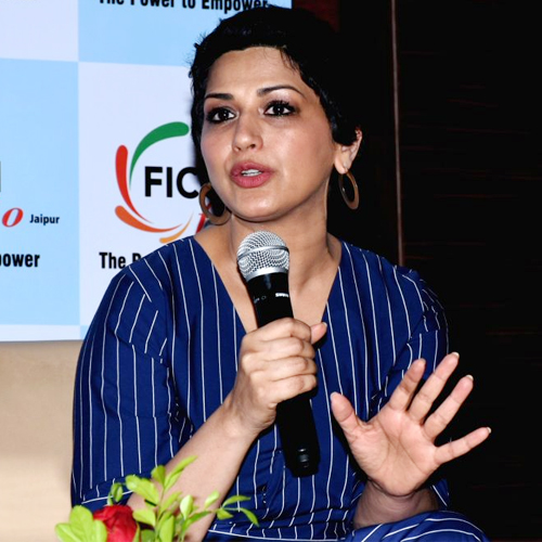 Jaipur: Sonali Bendre opens up on her fight with cancer, jaipur,  sonali bendre opens up on her fight with cancer at an interactive session,  sonali bendre at an interactive session in jaipur,  bollywood news,  bollywood gossip,  ifairer