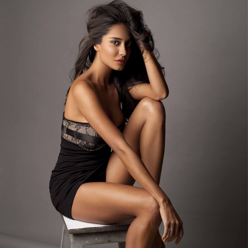 It's impossible not to crush over Lisa Haydon, happy birthday lisa haydon,  its impossible not to crush over her,  lesser-known things about lisa haydon,  unknown facts about lisa haydon,  interesting things to know about lisa haydon,  happy birthday lisa haydon,  bollywood news,  bollywood gossip,  ifairer