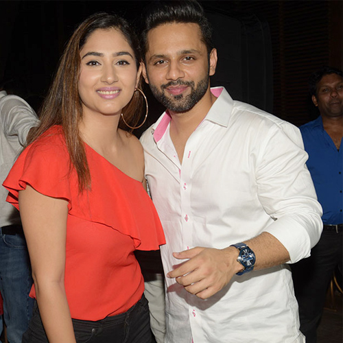 Is singer Rahul Vaidya dating Disha Parmar!, is singer rahul vaidya dating disha parmar,  indian idol rahul vaidya,   woh apna sa,  disha parmar,  tv celebs dating,  tv gossips,  ifairer