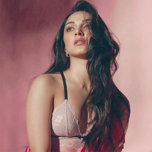 Things you didn't know about Kiara Advani: Favourite color, TV shows, holiday destination, things you didnt know about kiara advani,  favourite color,  tv shows,  holiday destination,  unknown facts about kiara advani,  interesting facts about kiara advani,  kiara advani bday special,  bollywood news,  bollywood gossip,  ifairer