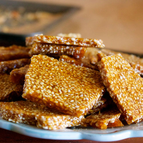 Til patti recipe: Good sources of iron and minerals, til patti recipe,  good sources of iron and minerals,  how to make til chikki,  recipe of til chikki,  desserts,  recipe,  ifairer