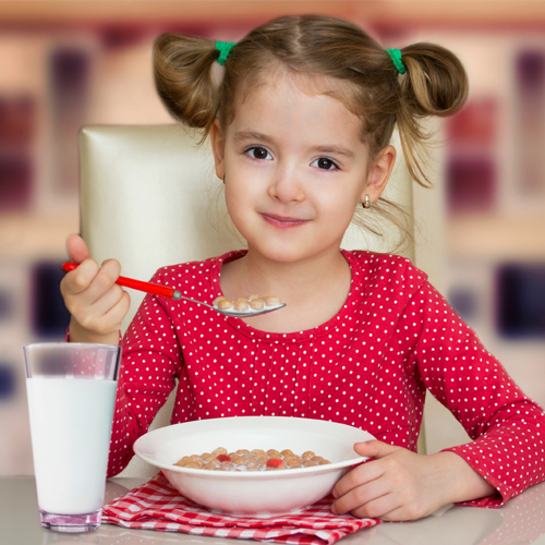 Study: Kids who eat regular breakfast score better, study,  kids who eat regular breakfast score better,  kids,  children health,  research,  ifairer