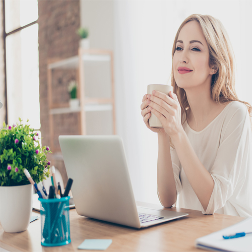 Study: Looking at desk plant for three minutes decreases stress, study,  looking at desk plant for three minutes decreases stress,  placing small plants at workplace reduces stress level,  desk plant,  stress,  workplace,  ifairer