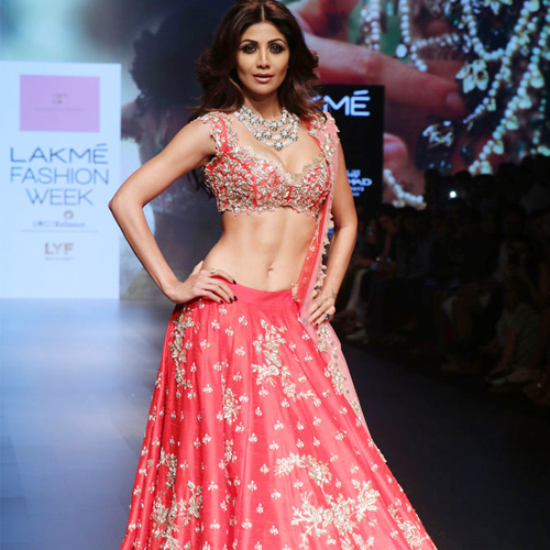 Shilpa Shetty's 6 beauty and fitness secrets, shilpa shetty 6 beauty and fitness secrets,  shilpa shetty,  shilpa shetty makeup secrets,  shilpa shetty beauty tips,  fitness secrets,  skin care,  beauty care tips,  ifairer