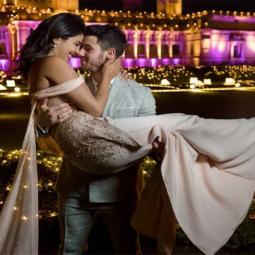 Priyanka Chopra reveals her bedroom secret, here's to know, priyanka chopra reveals her bedroom secret,  here to know,  nick jonas cant start his day without this,  priyanka chopra,  nick jonas,  hollywood,  hollywoodnews,  hollywood gossip,  ifairer