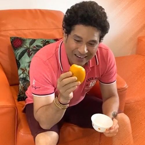 Sachin Tendulkar turns chef, makes Mango Kulfi, sachin tendulkar turns chef,  makes mango kulfi,  sachin tendulkar,  recipe of mango kulfi,  how to make mango kulfi,  recipe,  desserts,  ifairer