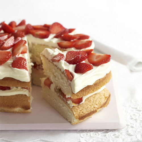 Royal pastry chefs revealed the recipe for Queen Victoria`s favourite sponge cake, royal pastry chefs revealed the recipe for queen victoria favourite sponge cake,  how to make sponge cake,  recipe of sponge cake,  cake recipe,  recipe,  desserts,  ifairer