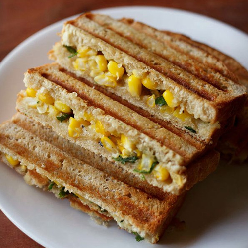 Cheesy Corn Cream Grilled Sandwich Recipe