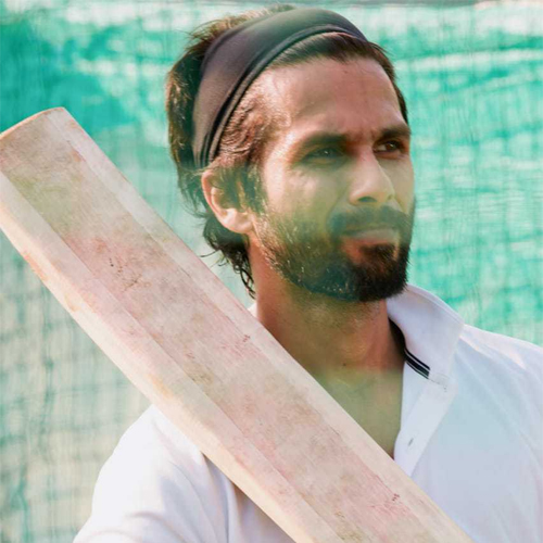 Shahid Kapoor slashes down his fees to Rs 25 crore for Jersey, shahid kapoor slashes down his fees to rs 25 crore for jersey,  shahid kapoor,  upcoming bollywood movie,  jersey,  bollywood,  bollywood news,  bollywood gossip,  ifairer