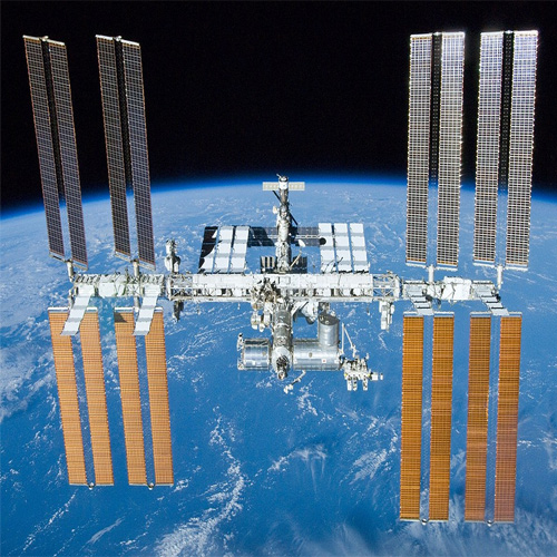 Now humans have been living on the space station for 20 years, now humans have been living on the space station for 20 years,  humans,  space station,  ifairer