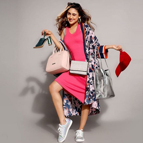 5 Outfits no woman should ever miss, add to your shopping list, 5 outfits no woman should ever miss,  add to your shopping list,  bollywood-inspired fashion trends,  bollywood style outfits,  fashion trends,  fashion tips,  ifairer